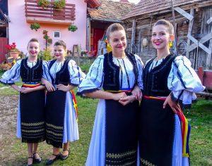 Freundliche Einheimische die du beim Backpacking Rumänien treffen wirst