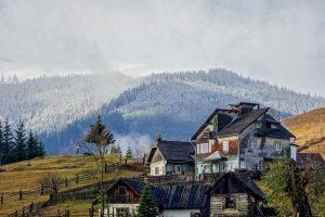 Schöne Landschaft und Orte in Transilvanien