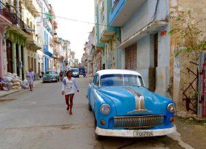 Eine Straße von Havanna, wo Backpacking in Kuba für die meisten startet