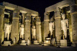 Beleuchteter Luxor Tempel in Ägypten