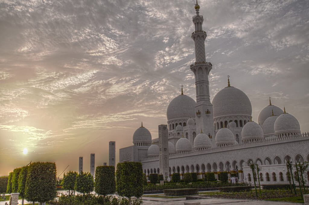 Must visit on one day in Abu Dhabi is Sheikh Zayed Grand Mosque