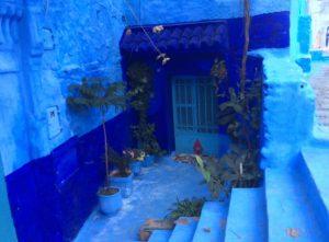 De blaue Stadt ist eine berühmte Sehenswürdigkeit in Marokko