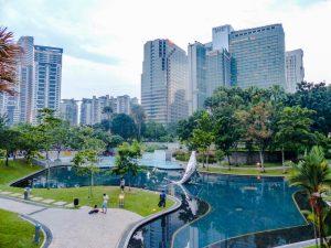 Eine der Sehenswürdigkeiten Kuala Lumpurs ist der KLCC Park