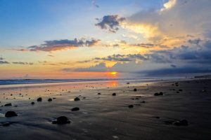 Pasut Beach zum Sonnenuntergang