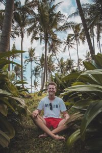 Bali backpacking to Pasut Beach