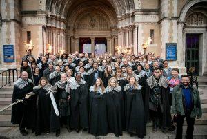 Mit den Social Travel Summit Teilnehmern vor der St. Anne's Kathedrale in Belfast