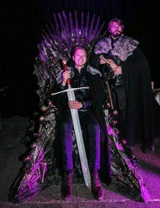 Ich auf dem eisernen game of thrones thron in Belfast