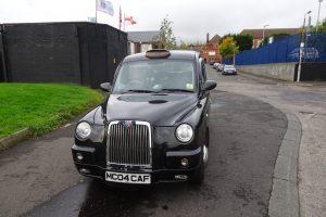 Die Black Cab Taxi Tour ist ein Highlight in Belfast