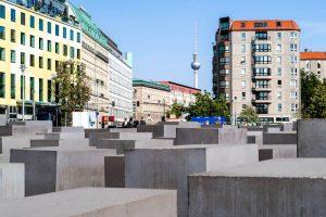 Steinblöcke im Memorial in Berlin in Deutschland