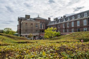 Kensington Palace when backpacking London