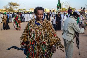 Sehenswürdigkeiten in Khartoum: Menschen beim Sufi Tanz auf Platz