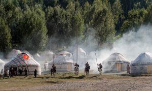Reiter im Kyrchyn Ethno-Dorf der World Nomad Games