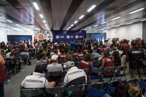 Bei einer Pressekonferenz bei den World Nomad Games in Kirgistan
