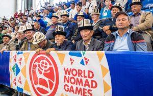 Einige Zuschauer in den Tribünen der World Nomad Games