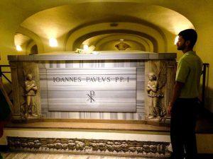 Die Scavi Tour führt dich zu den Überresten von Petrus