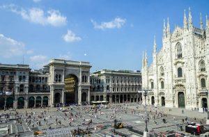 Reisetipps für Mailand: Aussicht vom Kaufhaus auf den Domplatz
