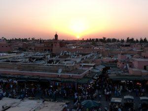 Marokko Urlaub Tipps zur Aussicht auf den Sonnenuntergang in der Altstadt von Marrakesch