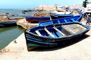 Blaues Boot am Hafen von Essaouira