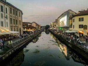 Tipps Mailand: Kanal durch Navigli beim Sonnenuntergang