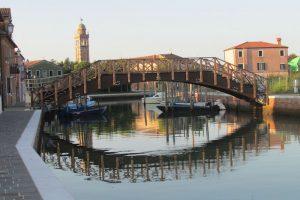 Mazzorbo in Venedig mit Brücke und Kanal