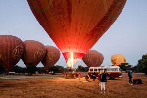 Sonnenaufgang vom Ballon in Bagan Myanmar