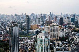 Besuch einer Bangkok Skibar mit Blick über die Stadt
