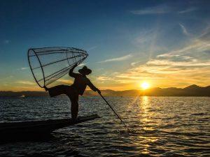 Sonnenuntergang am Inle Lake Myanmar