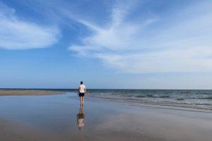Spaziergang am Strand von Lamu