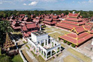 Aussicht auf den Mandalay Palast in Myanmar