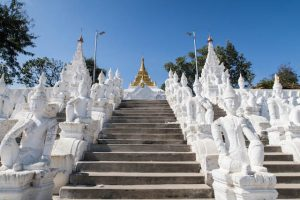 Weißer Tempel in Mingun Myanmar