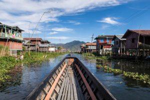 Fahrt durch die Floating Villages