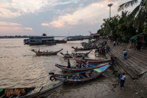 Sehenswerter Sonnenuntergang in Yangon