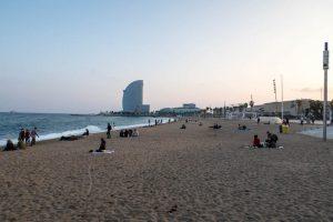 Sonnenuntergang am Barceloneta Strand