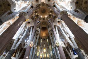 Die Sagrada Familia ist die bekannteste der Barcelona Sehenswürdigkeiten