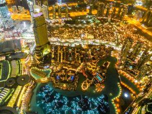 Lichter bei Nacht in Dubai