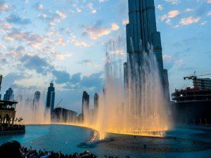 Die Fontänenshow ist eine der beliebtesten Dubai Sehenswürdigkeiten