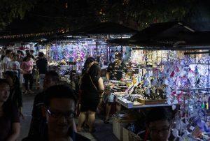 Nachtmarkt Stände in Hoi An Vietnam