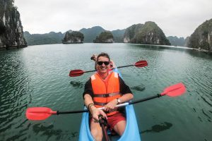 Backpacking durch Vietnam: Halong im Kajak