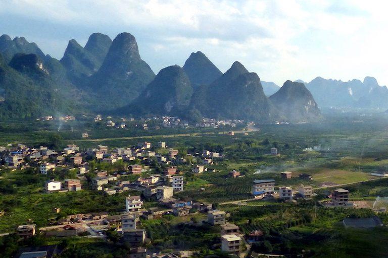 Berge im Süden: So kannst du dein China Visum beantrage