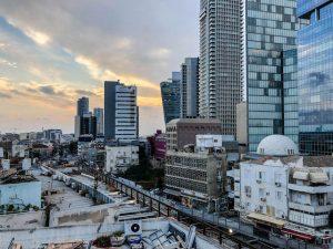 Tel Aviv Sehenswürdigkeiten: Hochhäuser bei Sonnenuntergang
