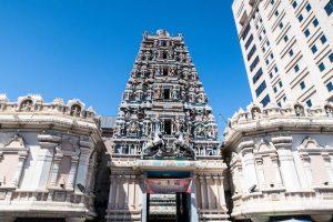 Sri Maha Mariamman Tempel als eine der Kuala Lumpur Sehenswürdigkeiten von außen