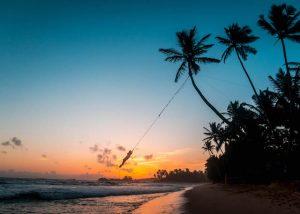 Sonnenuntergang am Strand in Sri Lanka - Thema Urlaubssprüche