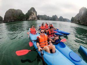 Vietnams Halong Bucht mit dem Kajak