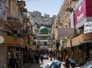 Moschee und Straßen in Nablus