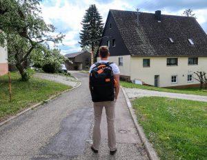 Unterwegs mit dem Standard Luggage Backpack