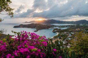 Antigua Sehenswürdigkeit Shirley Heights am Sonnenuntergang