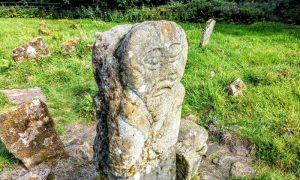 Stein Statue Janus Head