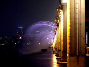 Licht und Wasser Show an der Banpo Brücke