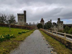 Straße zum sehenswerten Lismore Castle