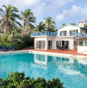 Pool und Villa in Stella Maris
